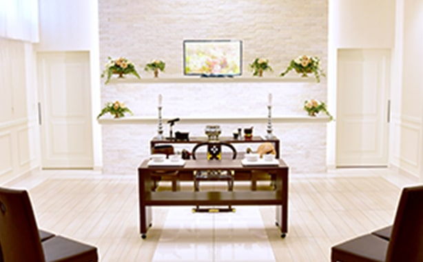 野田市の葬儀式場、祭壇の写真